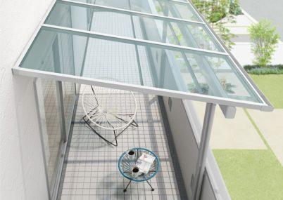 リクシルのスピーネF型造り付け屋根タイプ。