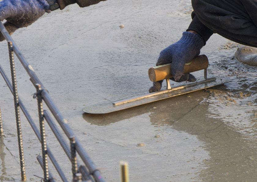 土間打ちの施工手順「表面仕上げ」